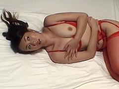 Kao Sugimori shows off her fine bod in lingerie
