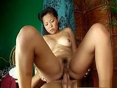 Cute Filipina amateur cannot get enough cock
