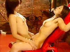 Dos Japonesas En Sex Lesbica
