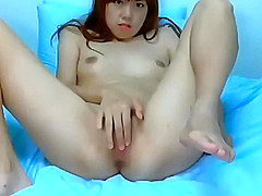 sweaty creamy babe on Webcam