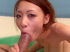 Japanese hottie gets fucked and creampied in the bath