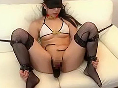 Deliciosa Novia transformada en puta al frente de su novio cornudo VER Completo: http://bit.ly/2VdnPd6