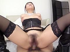 Mao Hamasaki flaunts her superb nice ass.