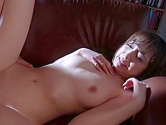 Good-looking oriental mom Anri Hoshizaki giving an amazing handjob